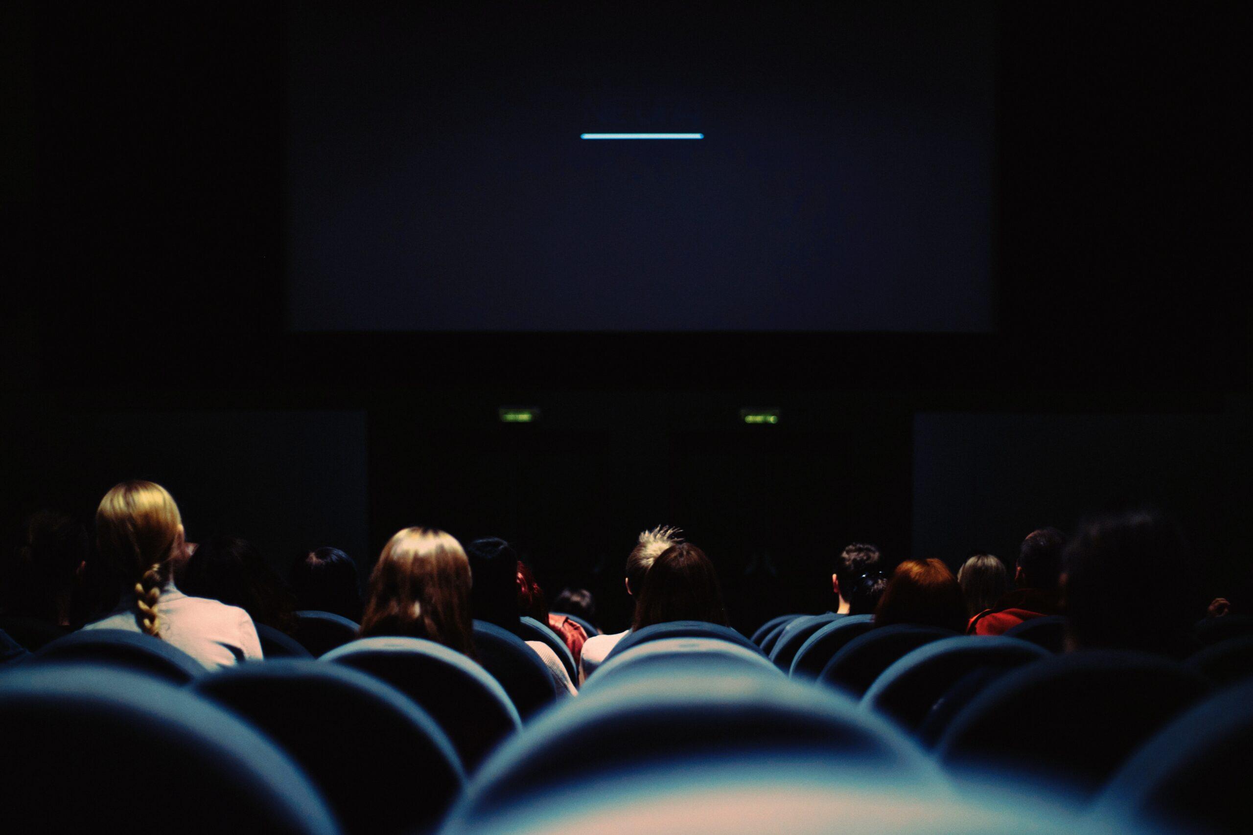 電影節如何轉向虛擬?(上)華麗盛宴倉皇避走Covid,影展還剩下什麼?